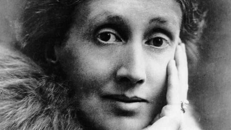 "Virginia Woolf's ""Angel in the House"" and what it takes to be a #NastyWoman"